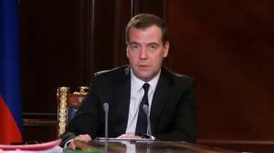 Медведев опечален событиями на Украине