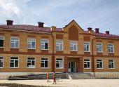В Томской области приняла своих учеников построенная фермером школа